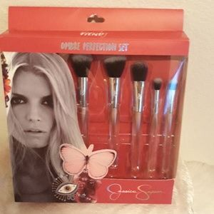 Brush Set by Jessica Simpson